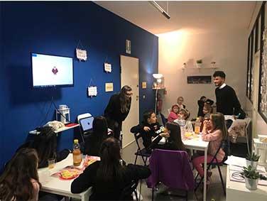 Scuola di Lingue e Formazione Inglese a Jesi Ancona Certificata Pearson PTE General | immagine corsi di Inglese Bambini e Ragazzi